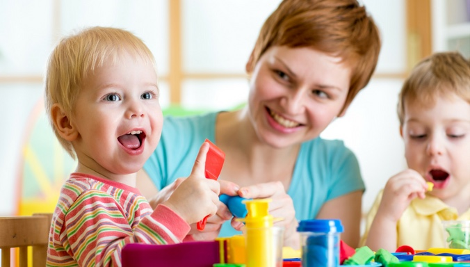 Nanny Kinder Sharing Kinderbetreuung Quitt.ch Nanny-sharing Babysitter