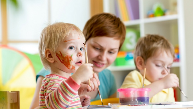 Kidnerbetreuung nanny-sharing nanny kinder Malen quitt.ch