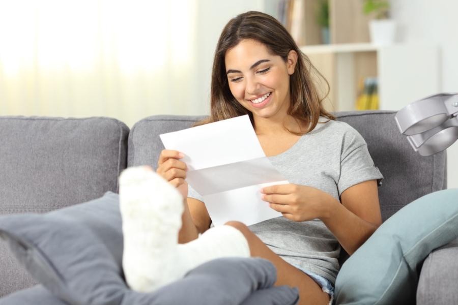 Eine Haushaltshilfe Per Mausklick Versichern